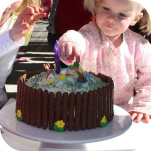 Simple Kids Farmyard Birthday Cake