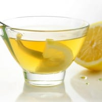 5 reasons to start your day with hot water & lemon