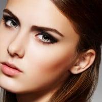 Six Simple Steps to create a Glamorous Smokey Eye