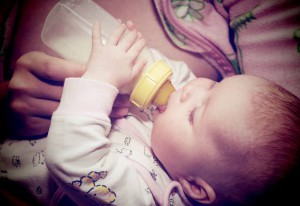 How to create a special bond with a bottle fed baby