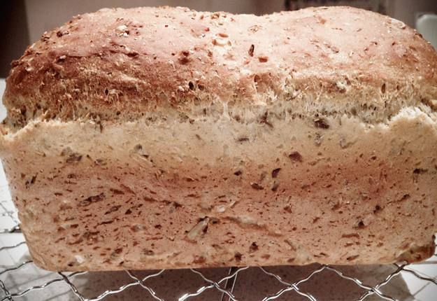 Wholemeal linseed and sunflower loaf recipe