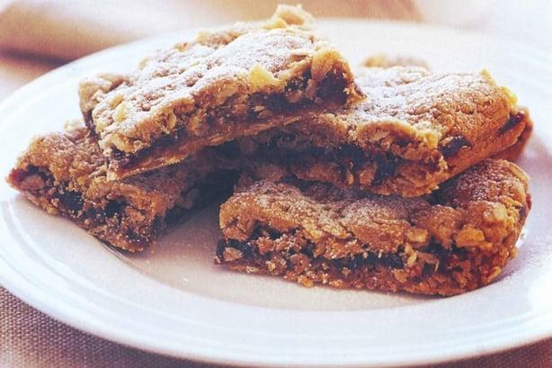 Crunchy Oat Date Slice