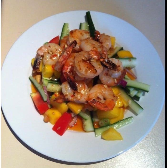 Chilli prawn & mango salad