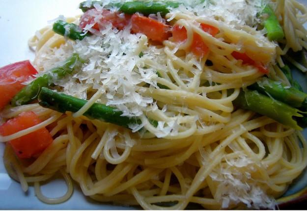 Tomato and Asparagus Spaghetti