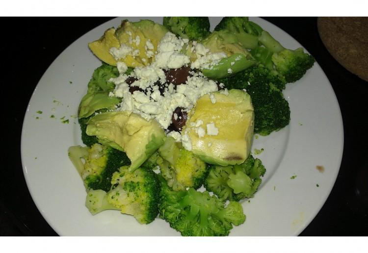 Healthy FATS Super satisfying salad