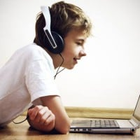 4 ways you can show your kids how to make money online!