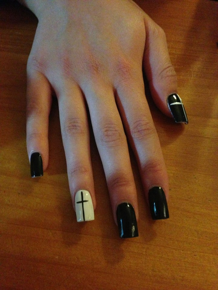 Black and white nail designs