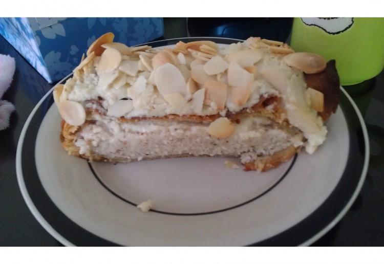 Almond and brazil nut slice