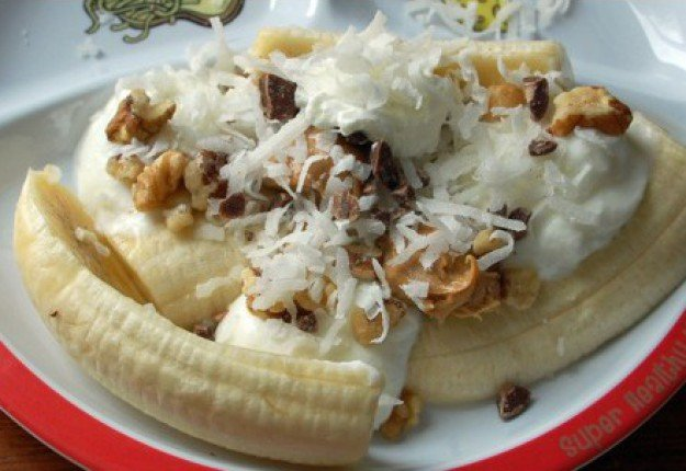 Good girl banana split