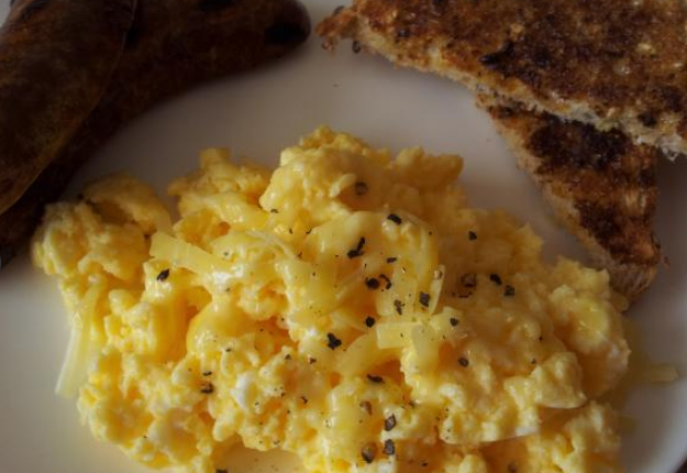 Fluffy Microwave Scrambled Eggs Real Recipes From Mums