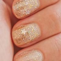 Gold glitter nails
