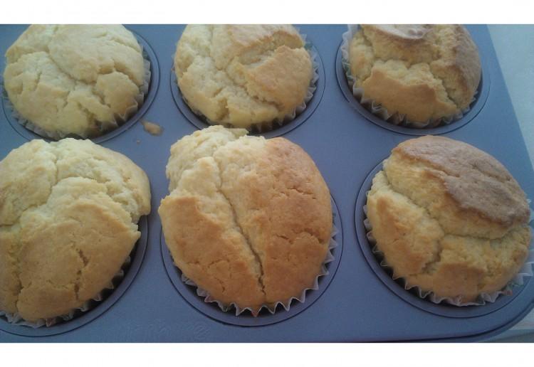 Lemon and coconut cupcake