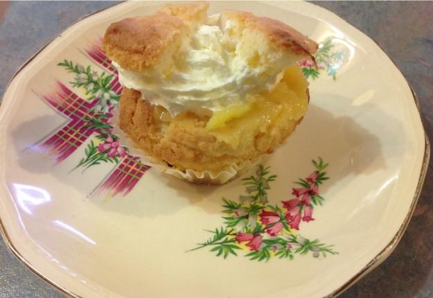 Mango, Vanilla and Lemon Curd Cupcakes