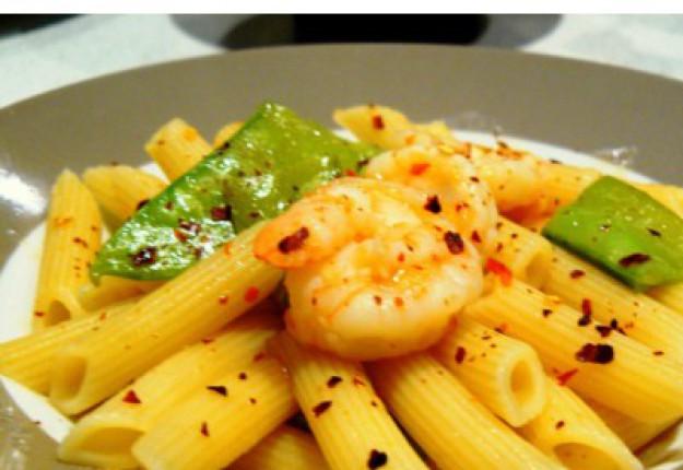 Pasta Fantastico (Prawn, snow peas and chilli penne)