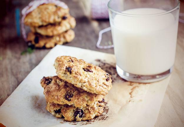 Lite* Macadamia & Craisin Cookies