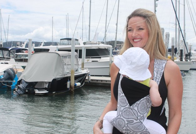 WIN 1 of 6 Slingthings – The revolutionary NEW Baby Carrier