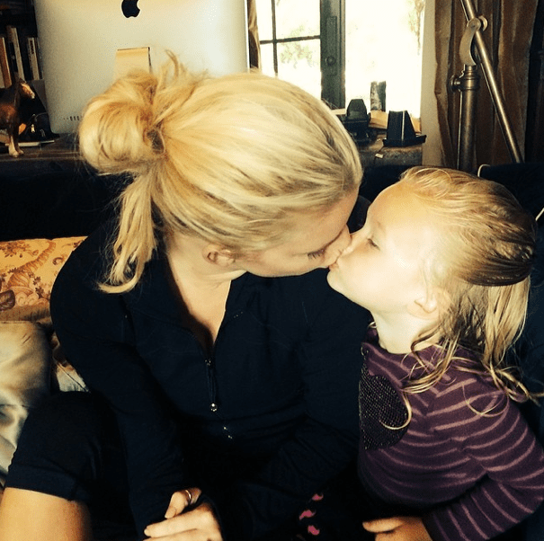 kissed-by-angel-jessica-simpson