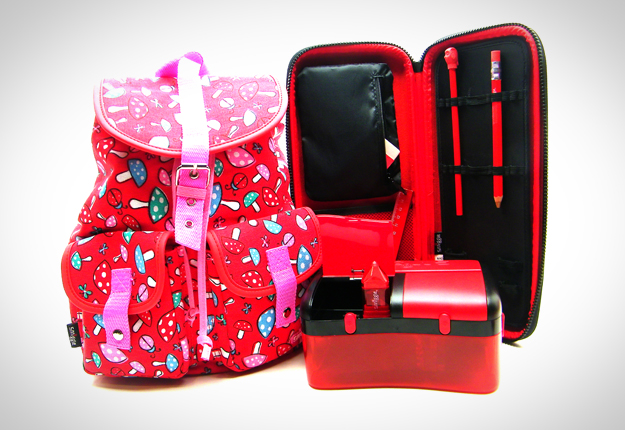 WIN 1 of 5 Smiggle prize packs!