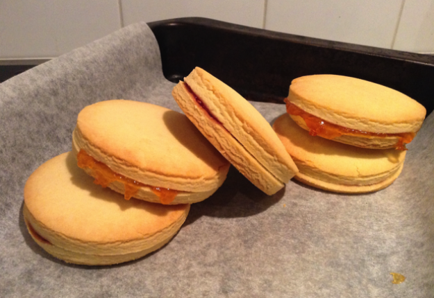 Shortbread Jamwiches