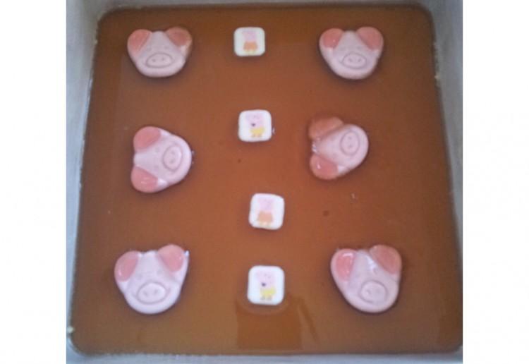"""""""Peppa Pig in mud"""" jelly slice sponge."""