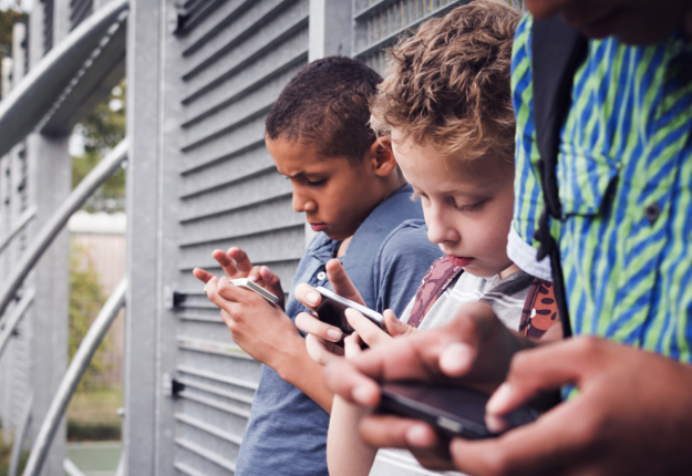 serotonin reviewed 3 Signs Your Child is Addicted to Video Games and How to Help