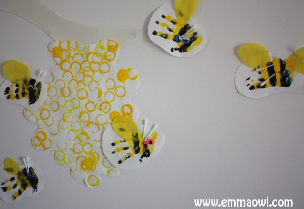 mom112217 reviewed Bottle beehive with hand print bees