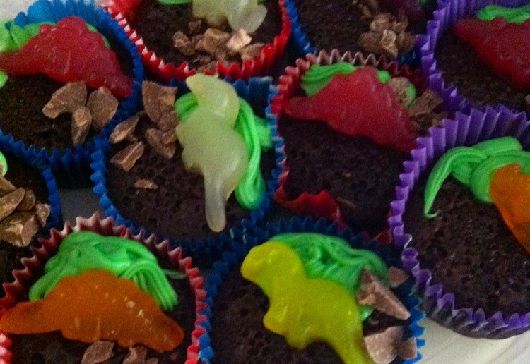 Easy dinosaur chocolate cupcakes