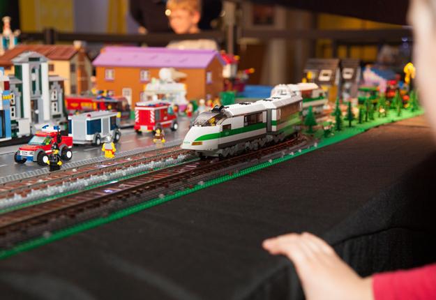 MoM - Toy Brick Fair 3