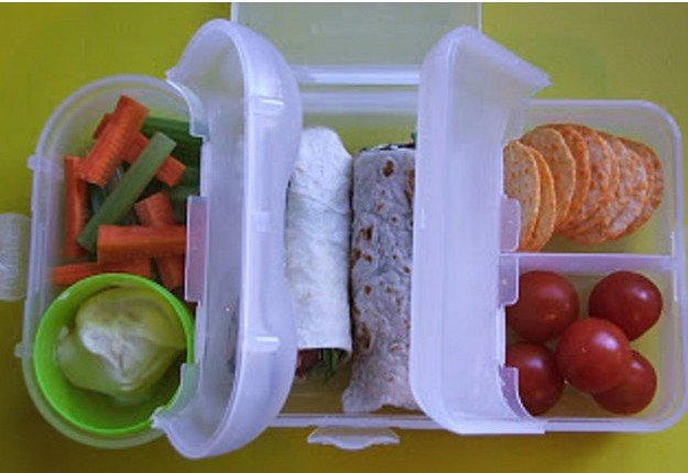 Fresh and rubbish free lunchbox idea!