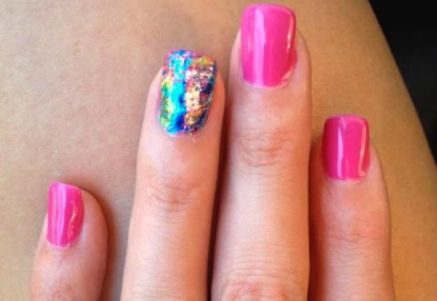 Foil effect nails