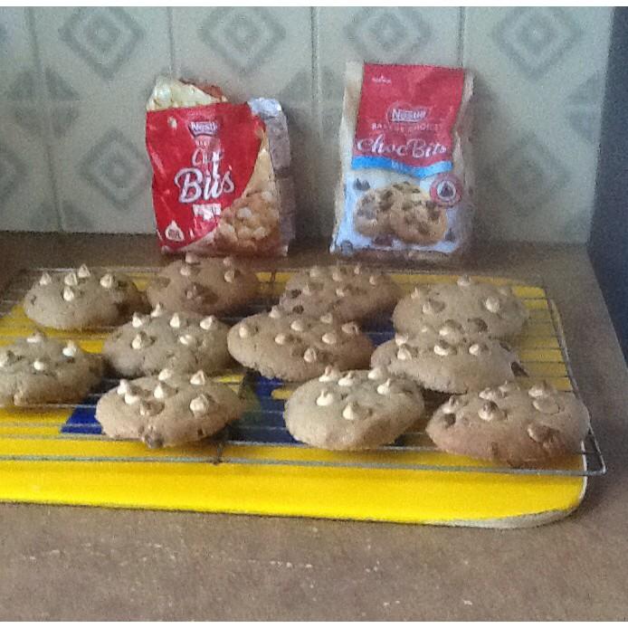 White & Milk Chocolate Chip Cookies