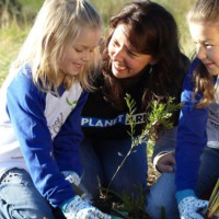 Here are 7 tips to get the kids outside and into nature!