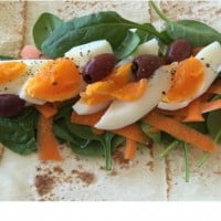 Egg and spinach wrap
