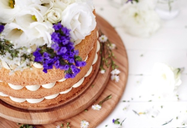 Lemon and flora layer cake