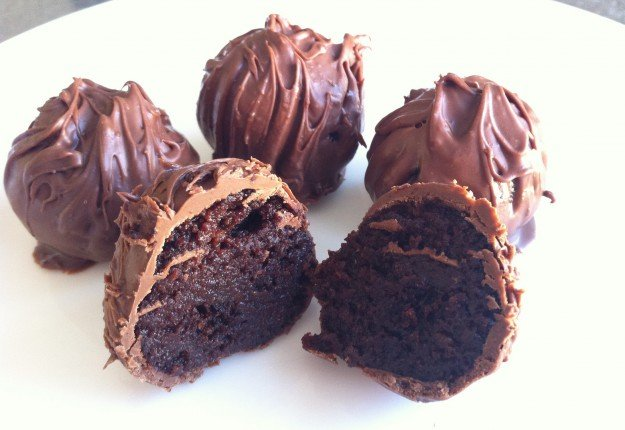 Chocolate cake truffles