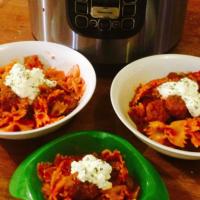 One Pot Wonder Pasta with Meatballs
