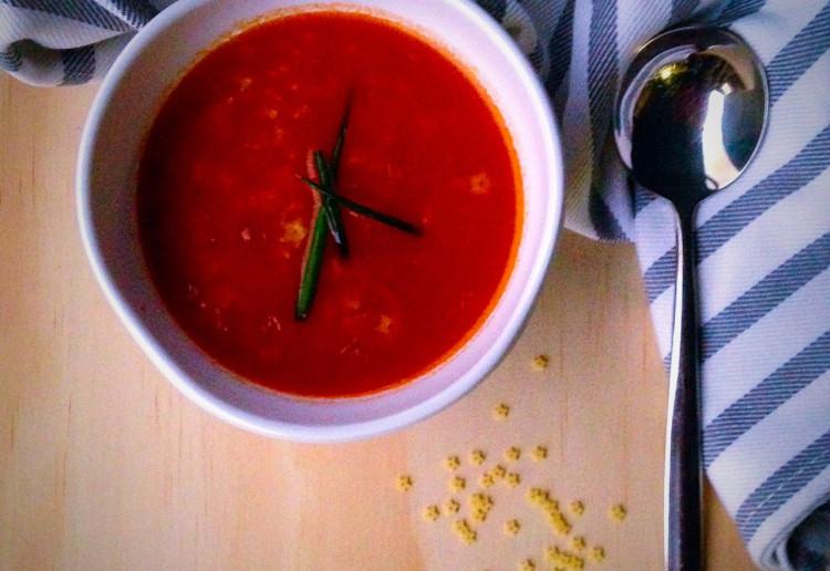 Star pasta tomato soup