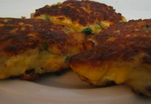 Super sweetcorn and bacon fritters