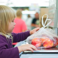 The one tip that gets me through supermarket shopping with kids!