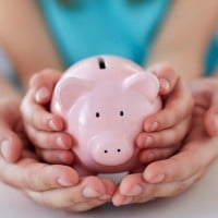 How to be a good financial role model for your children