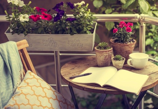 Mum of 5 darlings :) reviewed 5 tips for styling a small outdoor space