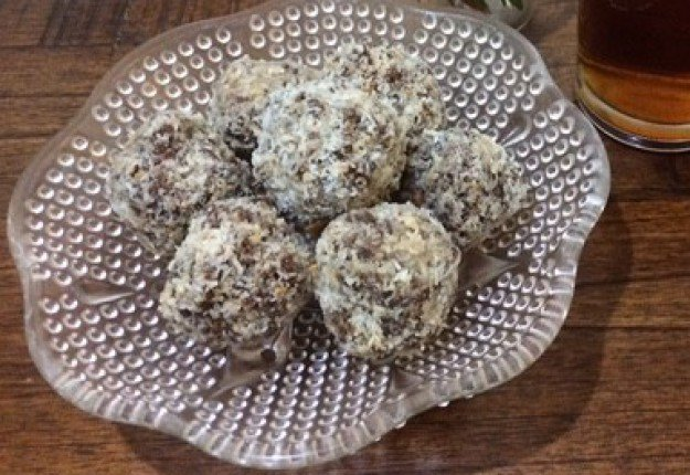 Cocoa-nutty bliss balls
