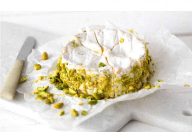 Camembert with pepper and pistachios