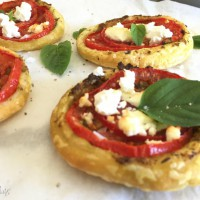 Tomato and Pesto Pastry Rounds