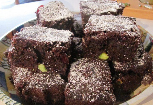 Brownies with cranberries and pistachios