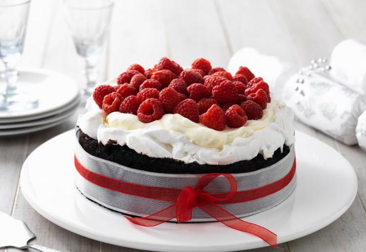 Chocolate Pavlova Cake