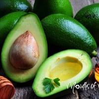 How to make your own avocado face mask