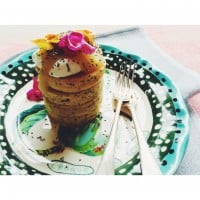Sugar free chia and lemon wholemeal hotcakes