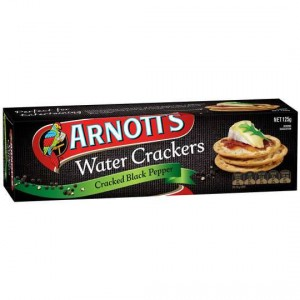 Arnott's Water Cracker Cracked Pepper