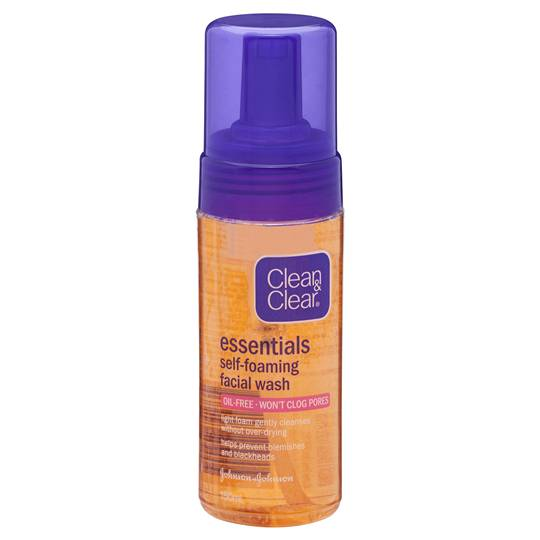 Clean & Clear Essentials Facial Cleanser Self Foaming
